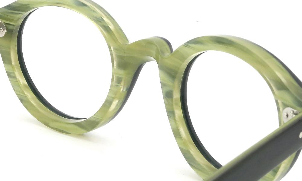 眼鏡の鼻あて・パット交換 Lesca La-Corbs BLK/GR クリアパッド大 加工前