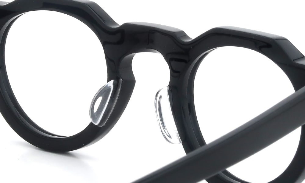 眼鏡の鼻あて・パット交換 Lesca Pica Black クリアパッド大 加工後