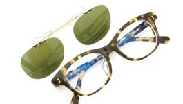 白山眼鏡×BEAMS ポンメガネオリジナル跳ね上げ式クリップオンサングラス 1975 TORTOISE ヴィンテージグリーンレンズAG 装着例