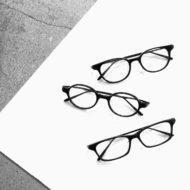 すべてが黒い、オールブラックのメガネ。One/Three