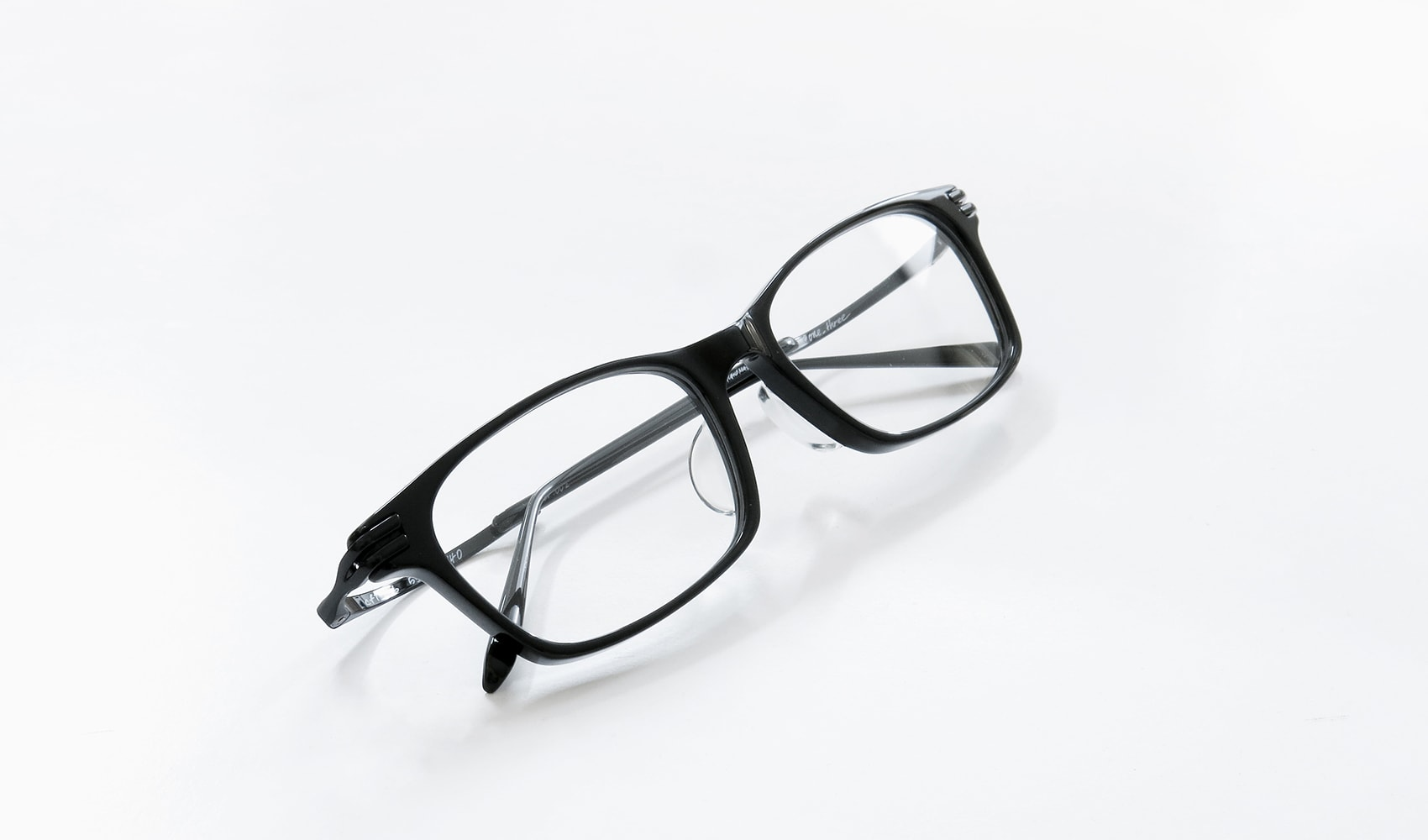 161128-onethree-black_02