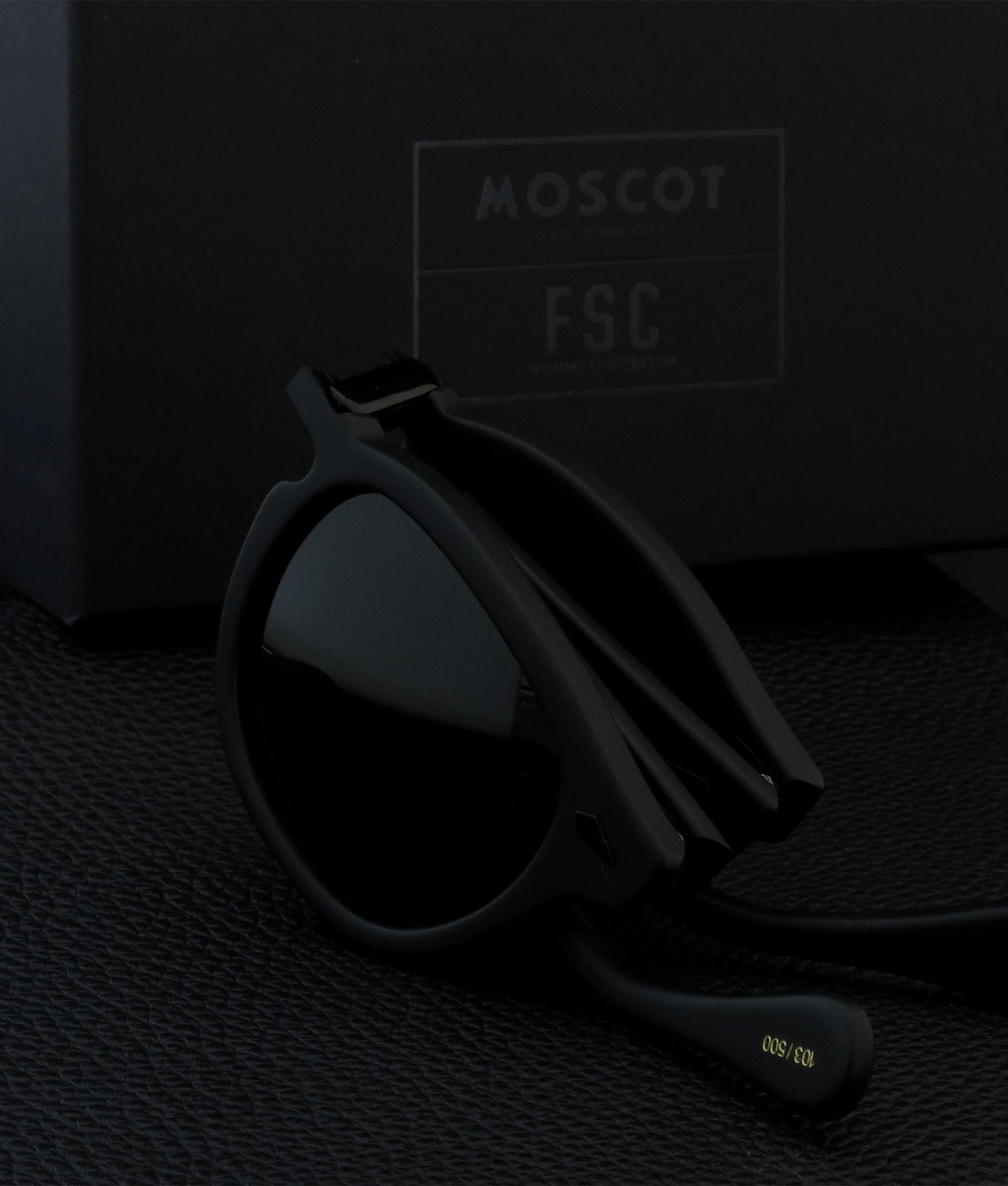 500本限定 黒で統一したレムトッシュのサングラス