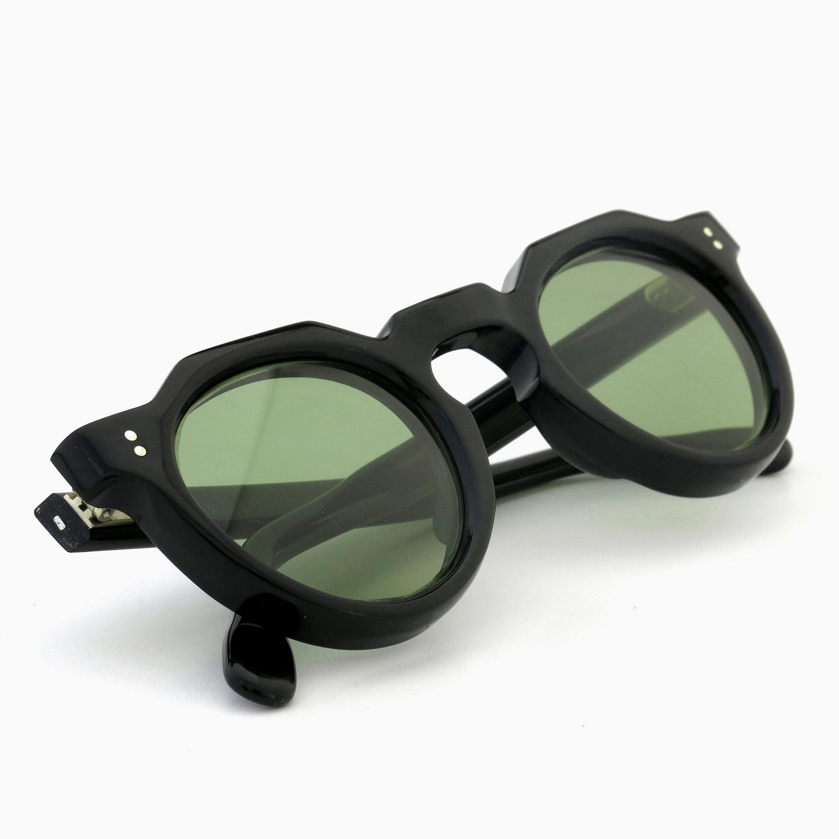 170530_Lesca-vintage_crowne-panto-type-a_Black_8mm_v11_Light-Green-lense_2pin