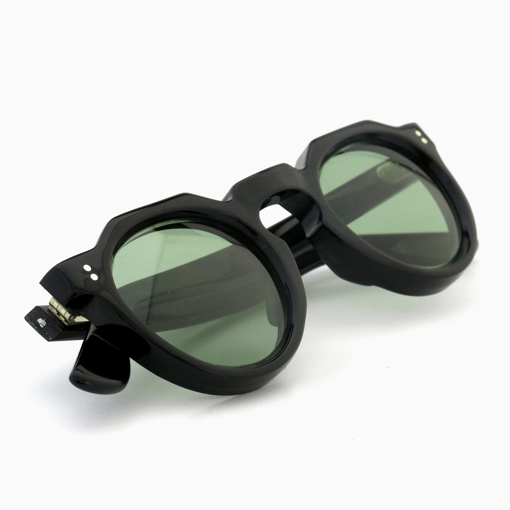 170530_Lesca-vintage_crowne-panto-type-a_Black_8mm_v13_Light-Green-lense_2pin