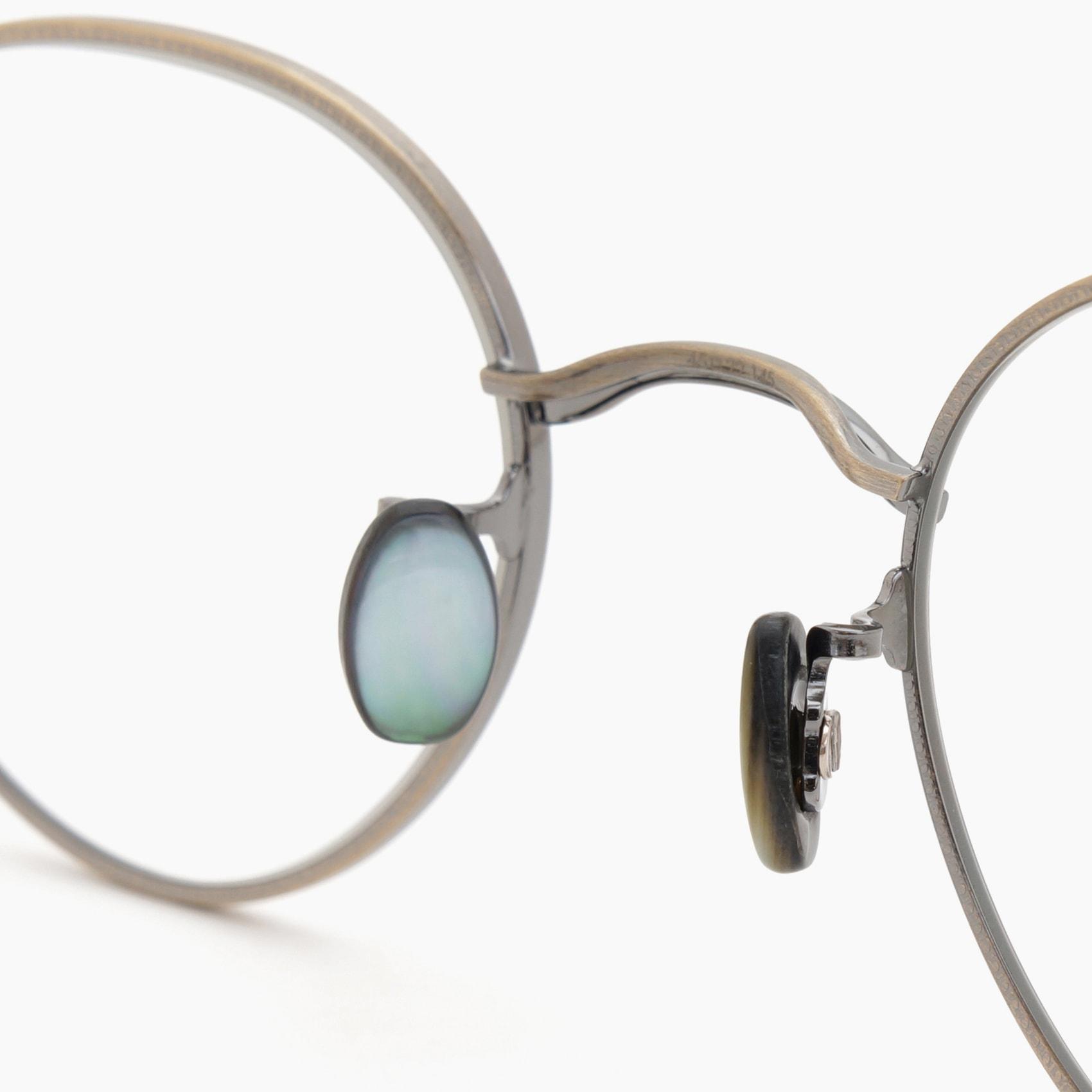 10 eyevan 本日より販売を開始いたしました。