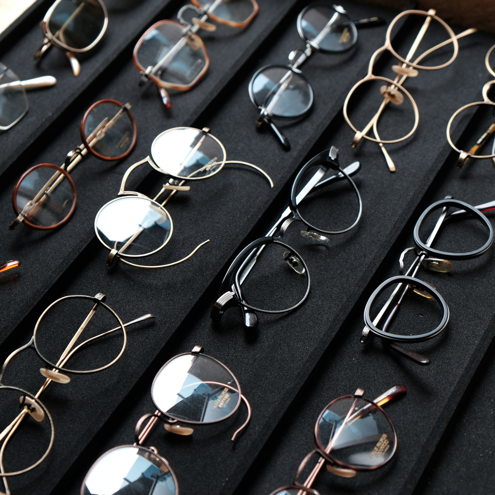 OLIVER PEOPLES‐Vintage-Archive