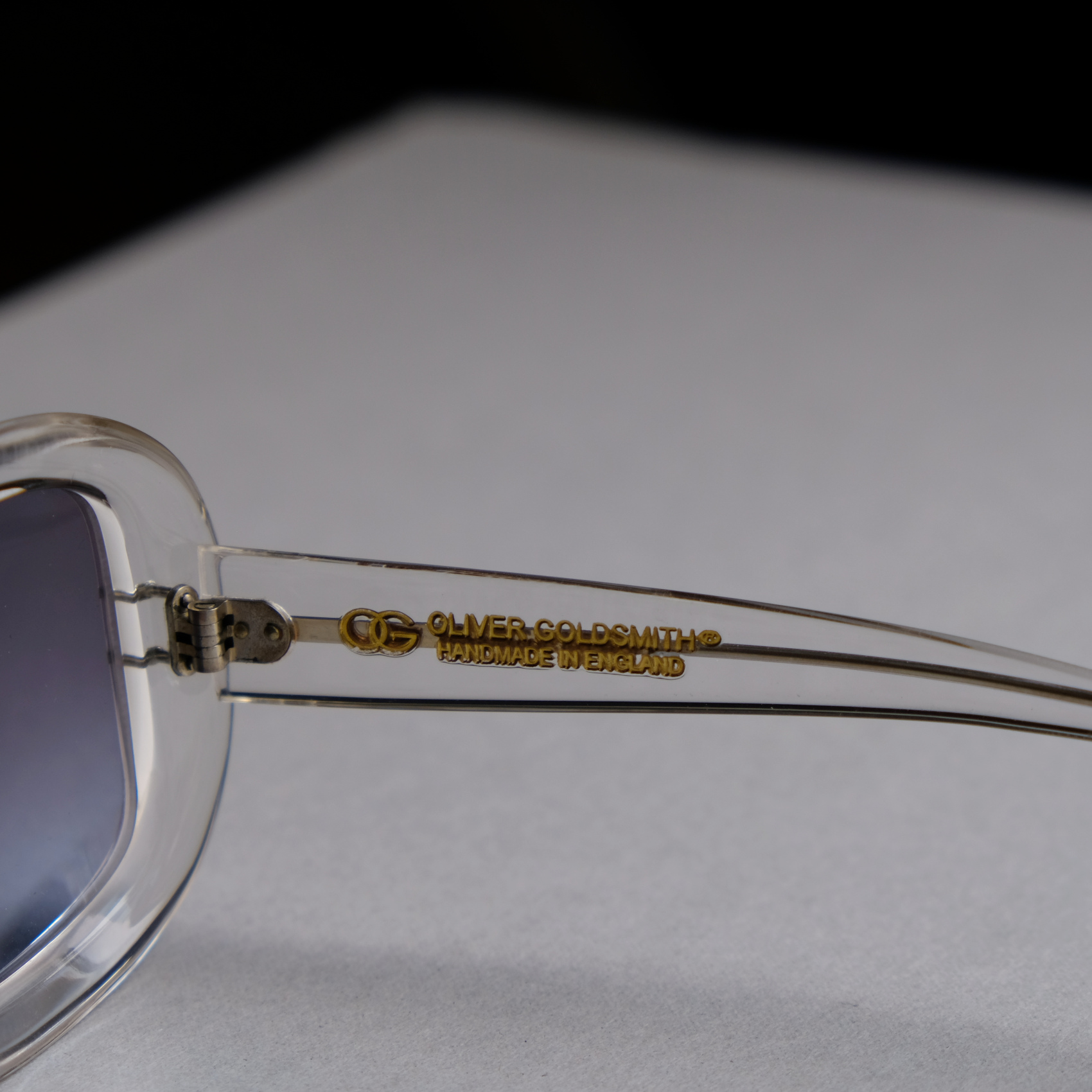 OLIVER GOLDSMITH-MADE IN ENGLAND