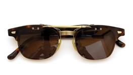 白山眼鏡クリップオンサングラスA6 デミ/アンティークゴールド ダークブラウンレンズAG 装着例 close