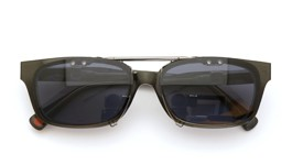 UNITED ARROWS×金子眼鏡 ポンメガネオリジナル跳ね上げ式クリップオンサングラス デミ/ゴールド ダークグレーレンズAG 装着例 close