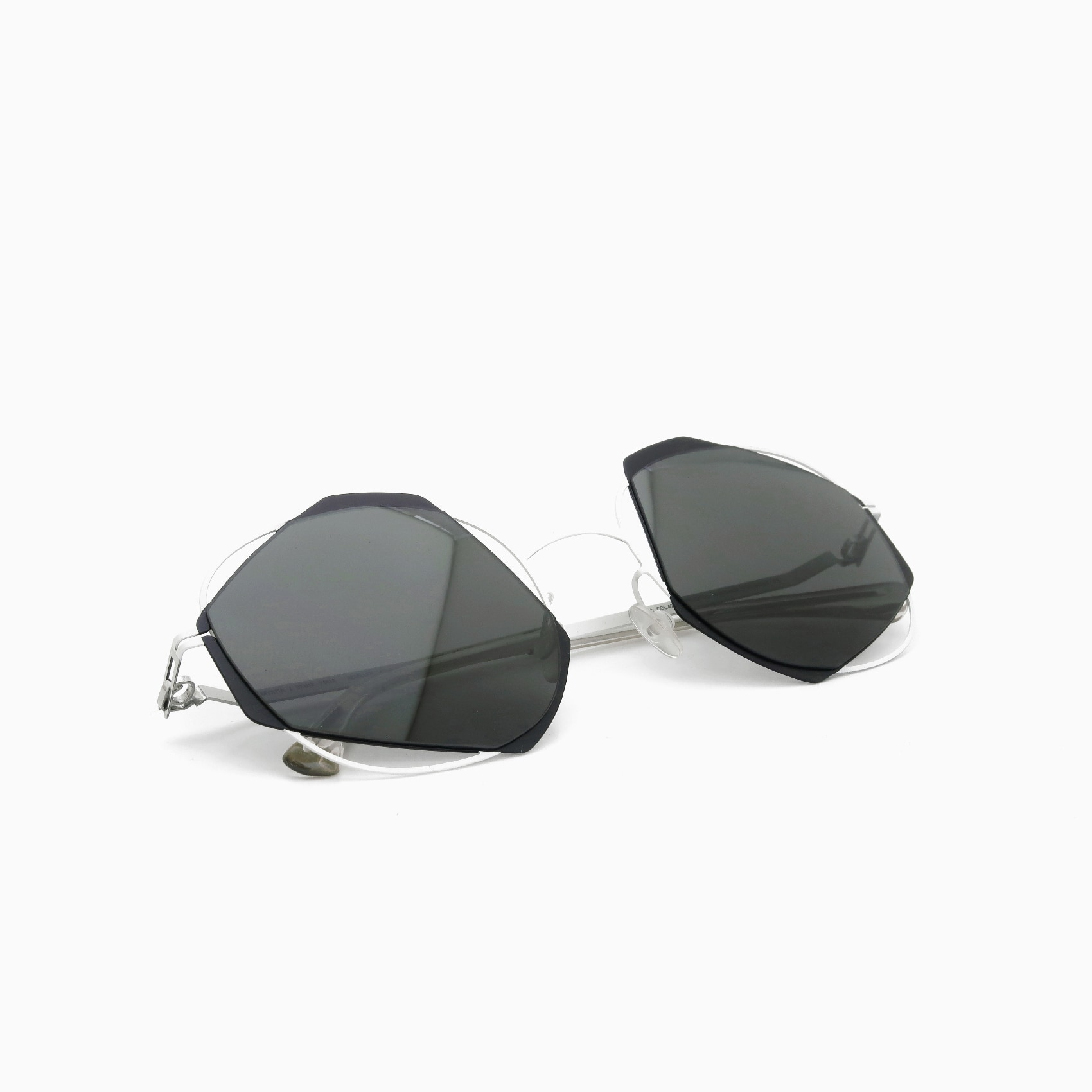 MYKITA-DAMIR-DOMA_ACHILLES_Limited-Edition_017-300_COL-424_post