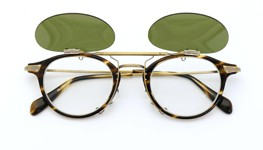 OLIVER PEOPLES クリップオンサングラス Wylie-P COCO/AG ヴィンテージグリーンレンズ 装着例_open