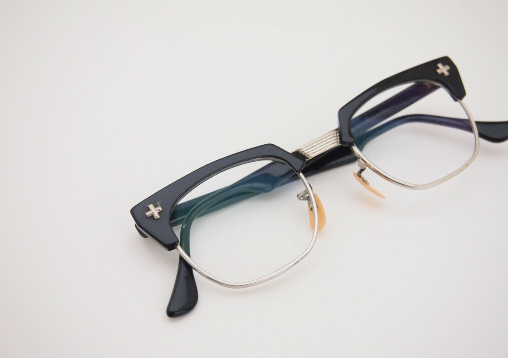 the Spectacle Baush&Lomb Combination