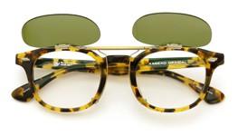 UNITED ARROWS×金子眼鏡 ポンメガネオリジナル跳ね上げ式クリップオンサングラス celluloid tortoise ヴィンテージグリーンレンズAG 装着例 open