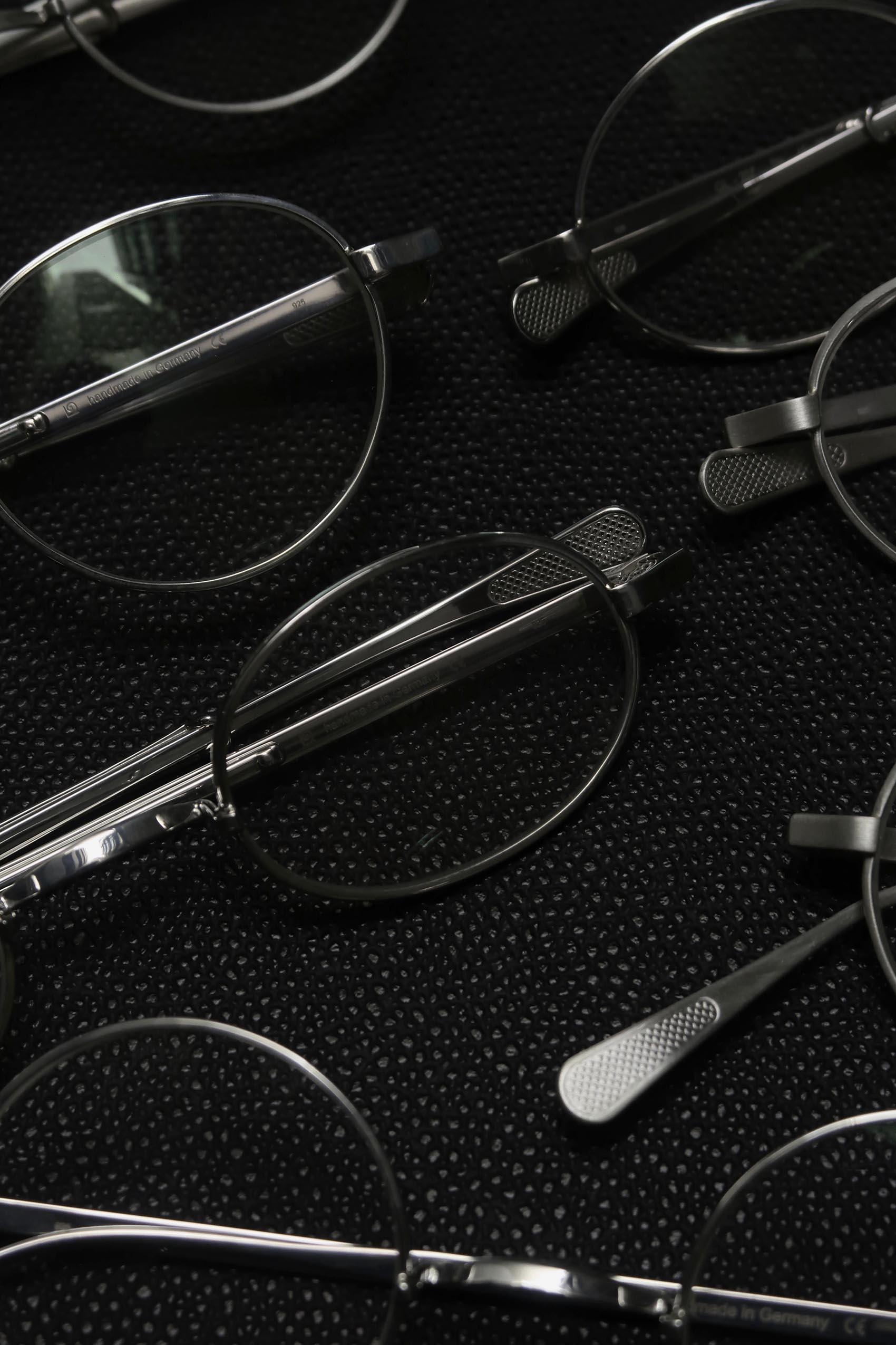 スターリングシルバーの眼鏡