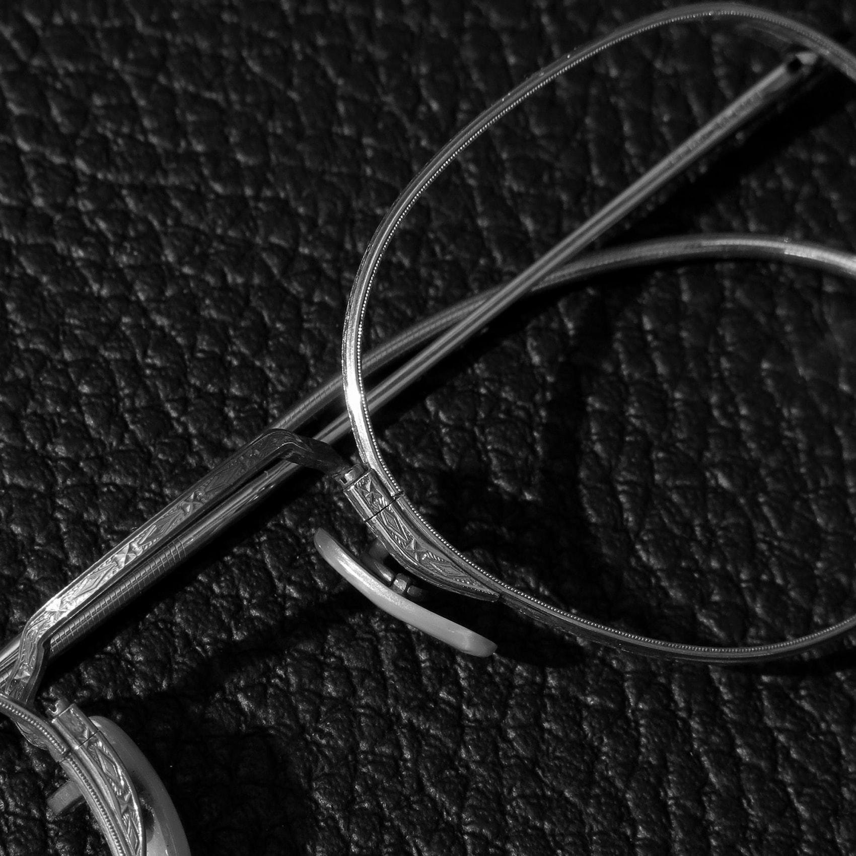 insta-1708-vintage-metal_01-1