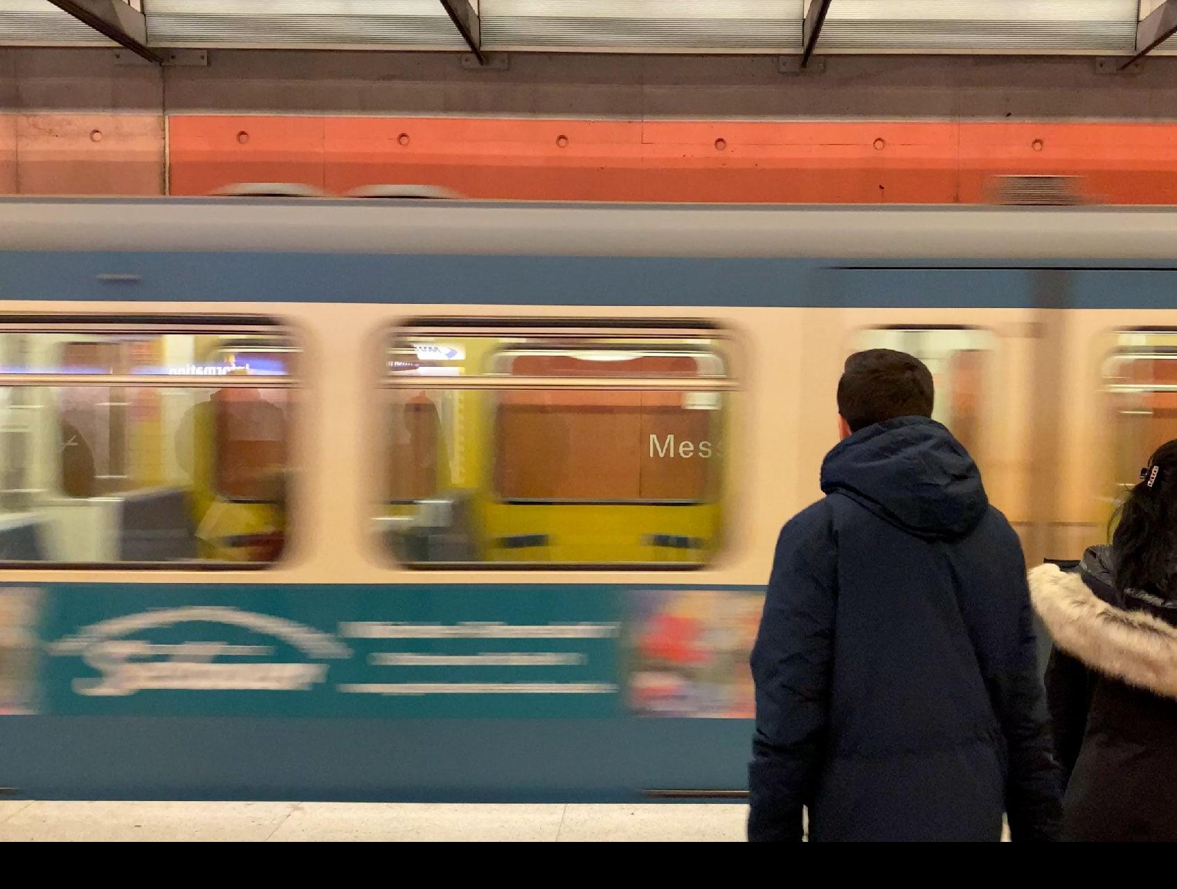 メガネの国際展示会 opti 2020 ミュンンヘン中央駅 Uバーン2号線 Messestadt West駅ホーム