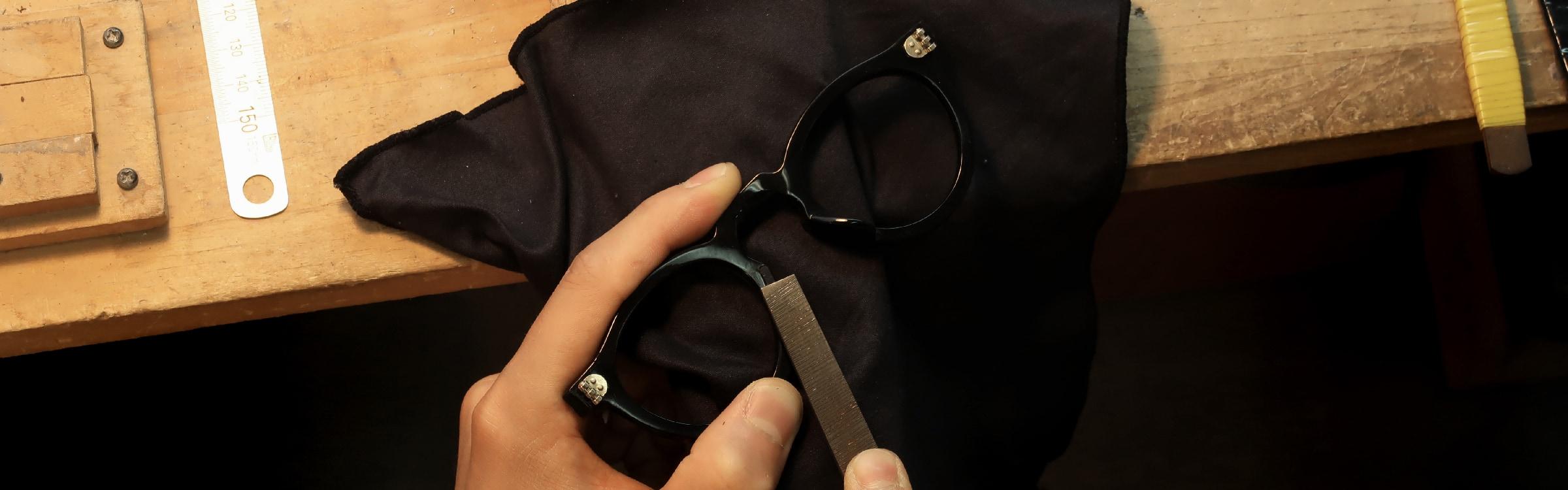 眼鏡の鼻あて・パット交換加工