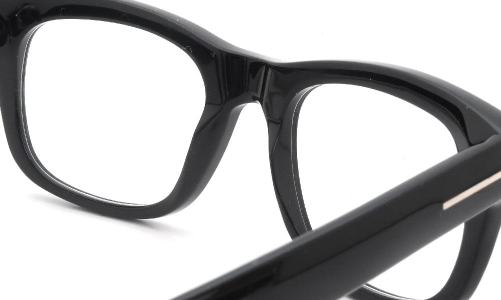 眼鏡の鼻あて・パット交換 TOM-FORD TF5472 001 前
