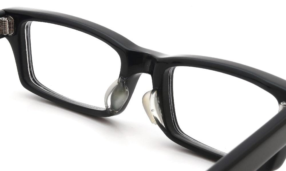 眼鏡の鼻あて・パット交換 EFFECTOR whammy2 BK 前