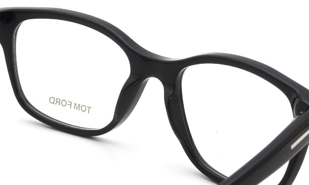 眼鏡の鼻あて・パット交換 TOM-FORD TF5196 001 前