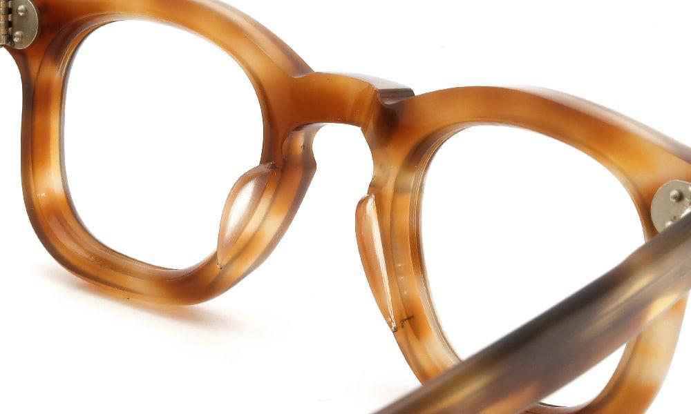 眼鏡の鼻あて・パット交換 FRANCE Vintage 1950s 3-DOTS RIGHT-ANGLE-WELLINGTON LIGHT-DEMI 前