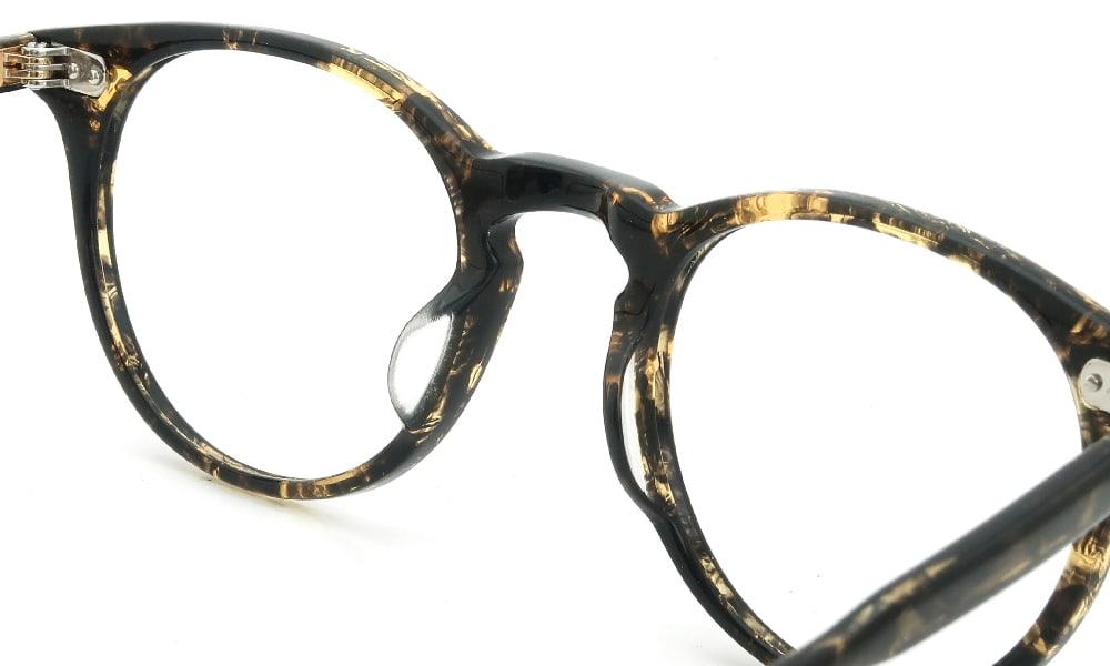 眼鏡の鼻あて・パット交換 GLCO WINWARD BKA 前