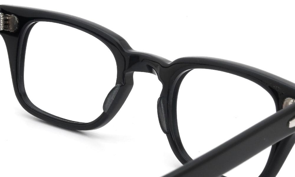 眼鏡の鼻あて・パット交換 Bausch-Lomb WHARTON BLACK 48-24 前
